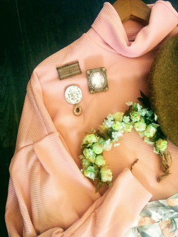 Pictured Peppermint Fox brooches and L'Orangerie skirt
