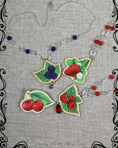 Very Berry Necklace (4 Fruits)
