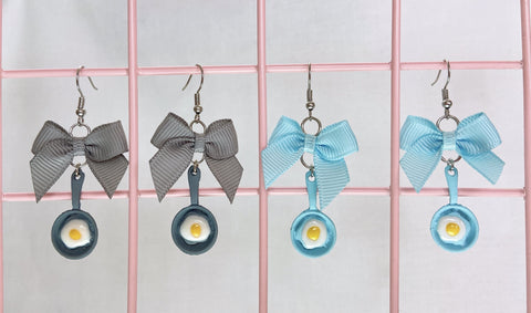 Frying Pan Earrings (2 Colors)