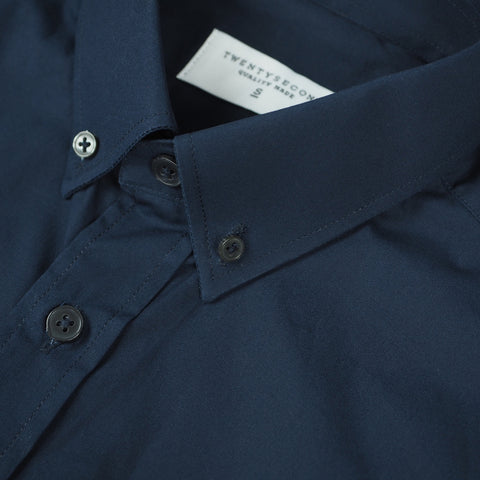 CLASSIC BUTTON DOWN - DARK BLUE