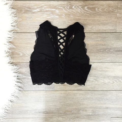 Lace Loving Bralette - Black