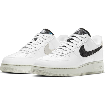 Women's Nike Air Force 1 '07 SE Shoe