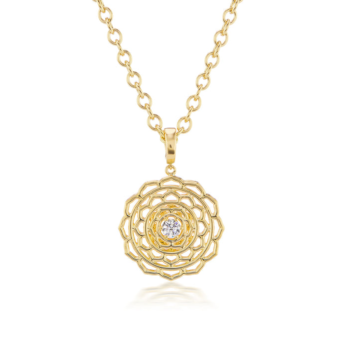 Dreamweaver Gold Necklace with Diamond Center