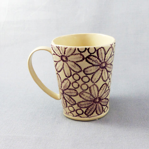 Daisy Lace Mug (Purple)
