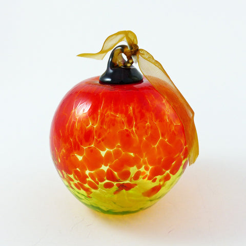Ornament: Apple
