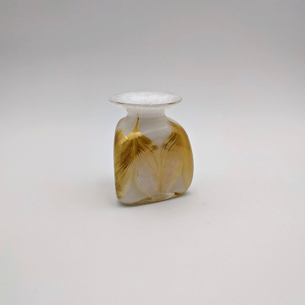 Triangle Vase, Small (Feathered, White)