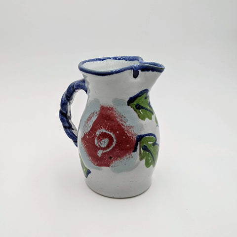 Small Pitcher Berry Motif