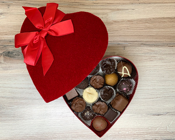 Heart box, Red Velvet with box, 8 ounces