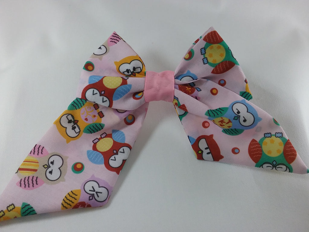 Handmade fabric Hair bow 5 inch pink with coloured owls patterned fabric - Tilly Bees