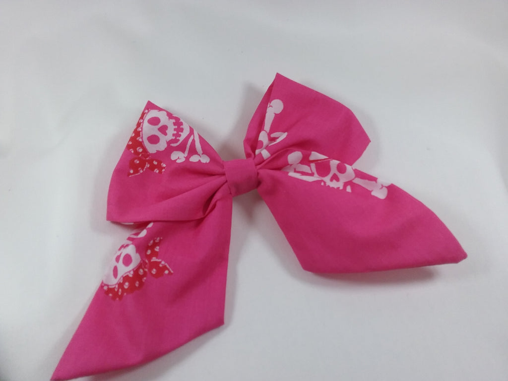 Handmade fabric Sailor hair bow 5 inch Pink skull and crossbone pattern - Tilly Bees