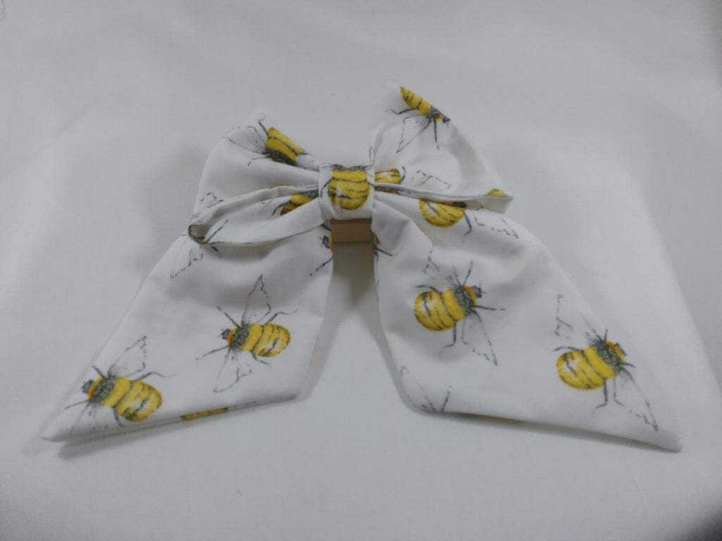 Bee Pattern Handmade fabric Hair bow 5 inch Cream Honey Bee Bumble bee patterned fabric - Tilly Bees