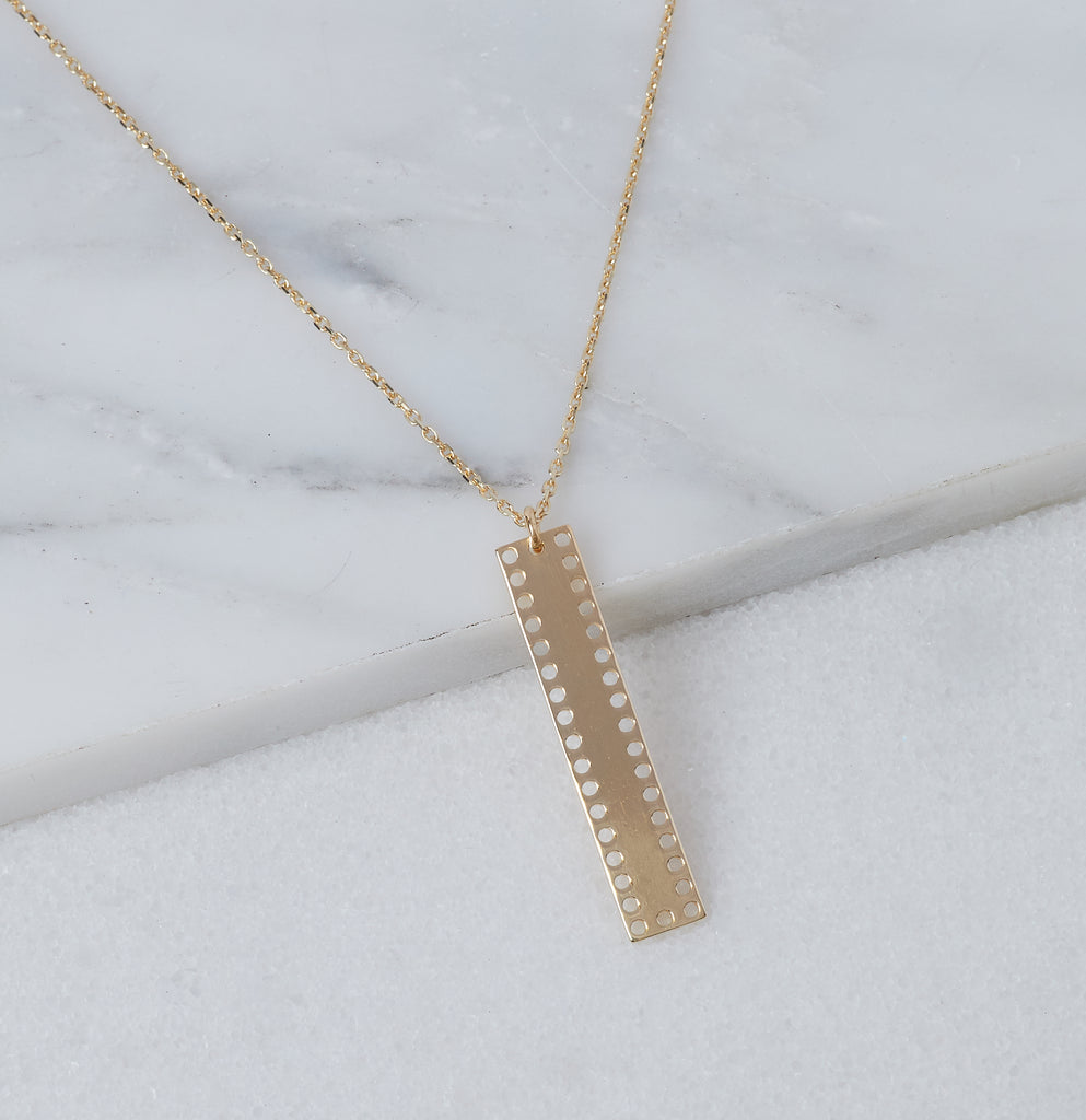 Dusk Bar Necklace