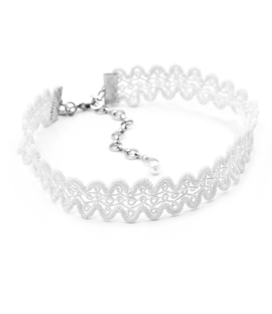 Christy Modele Lace Choker