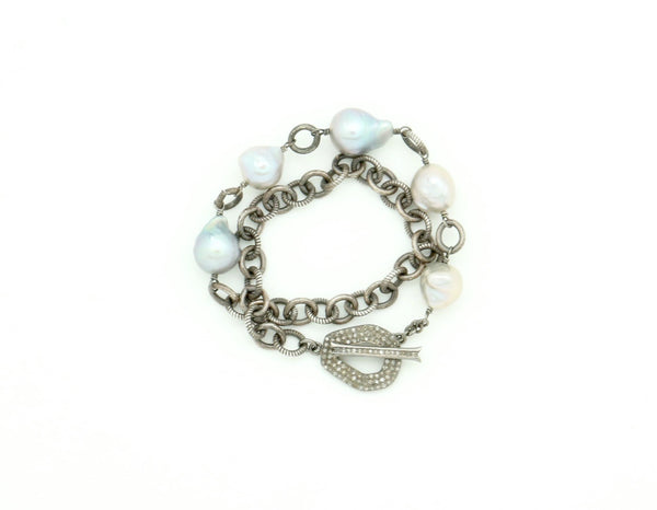 GREY PEARL AND DIAMOND CLASP BRACELET