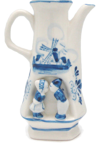 Kissing Couple Delft Blue Flower Vase - 1 - OktoberfestHaus.com