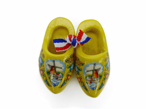 Wooden Shoes Magnetic Gift Yellow - OktoberfestHaus.com  - 1