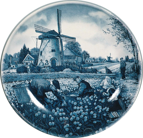Collectible Plate Dutch Tulip Pickers Color - DutchGiftOutlet.com