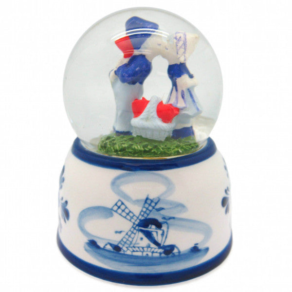 Snow Globes Water Globes: Delft Blue Kissing Couple - OktoberfestHaus.com  - 1