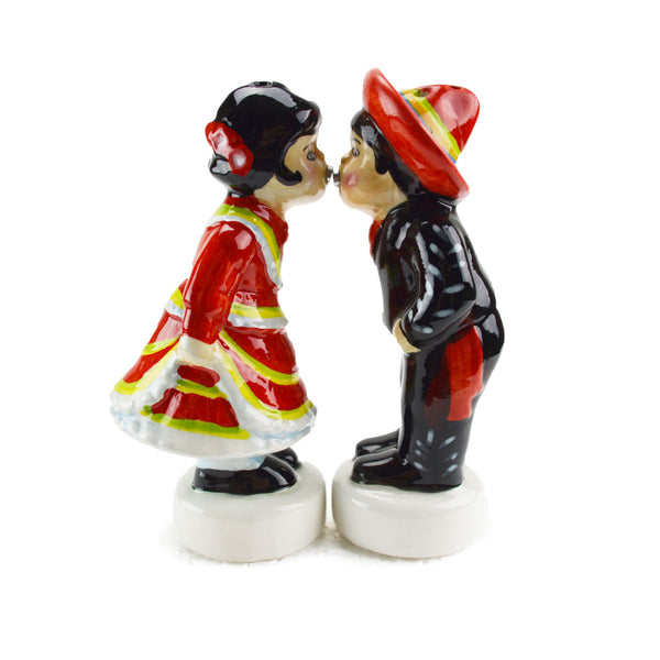 Magnetic Salt and Pepper Shakers Mexican Kiss