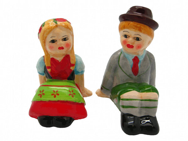 Cute Salt and Pepper Shakers German Couple - DutchGiftOutlet  - 1