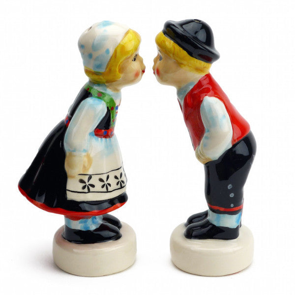 Cute Salt and Pepper Shakers Norwegian Standing Couple - OktoberfestHaus.com