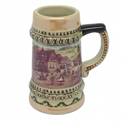 German Stein Village Dancers Shot - DutchNovelties  - 1
