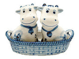 Cows Salt and Pepper Shakers: Cows/Basket - ScandinavianGiftOutlet