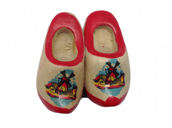Wooden Shoes Magnetic Gift Red Trim - ScandinavianGiftOutlet