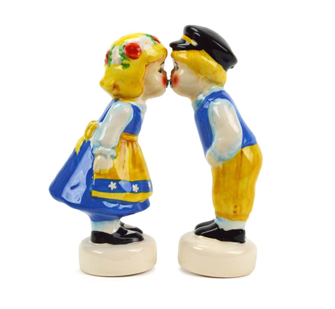Novelty Salt Pepper Shakers Swedish Couple - ScandinavianGiftOutlet