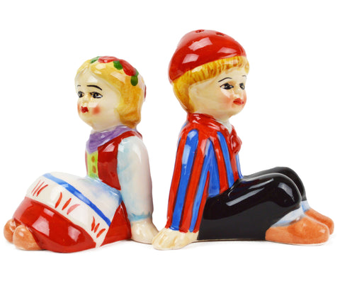 Cute Salt and Pepper Shakers Scandinavian Sitting Couple - ScandinavianGiftOutlet
