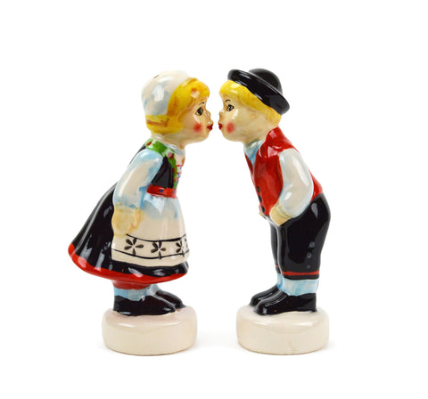 Cute Salt and Pepper Shakers Norwegian Standing Couple - ScandinavianGiftOutlet