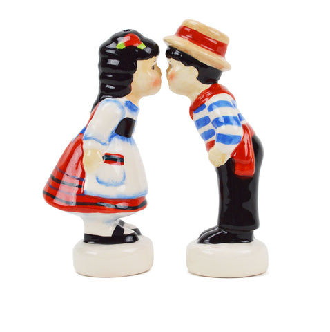 Italian Gift Idea with Italy Kissing Couple S&P Set - Scandinaviangiftoutlet.com