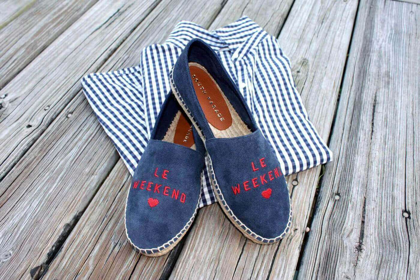 Blue espadrilles with red 'Le Weekend'