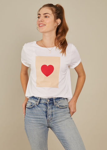 Lola - Loose Tee - Heart Box - White