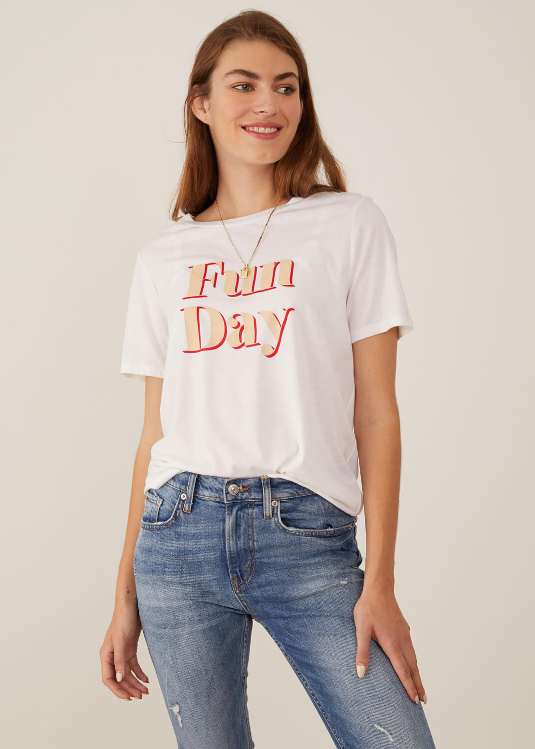 Lola - Loose Tee - Funday - White