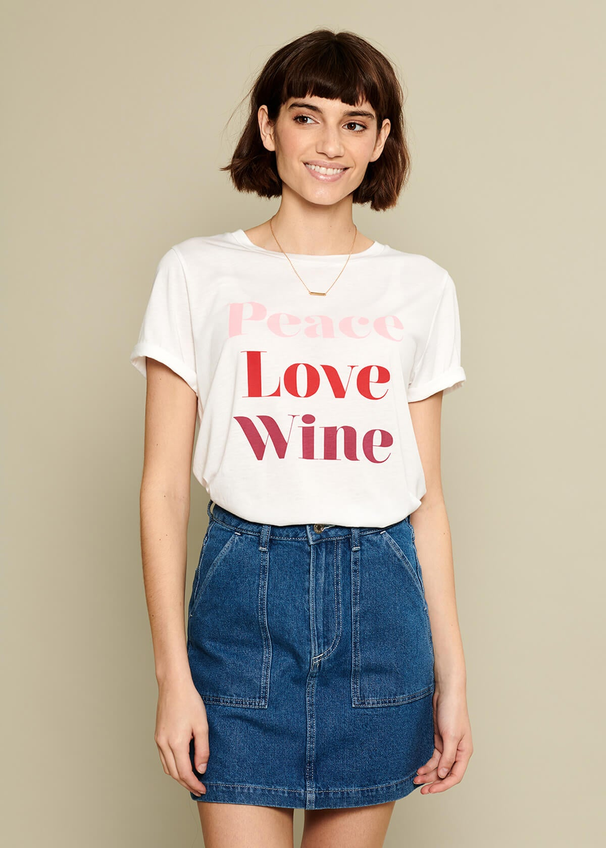 Lola - Loose Tee - Peace Love Wine - White
