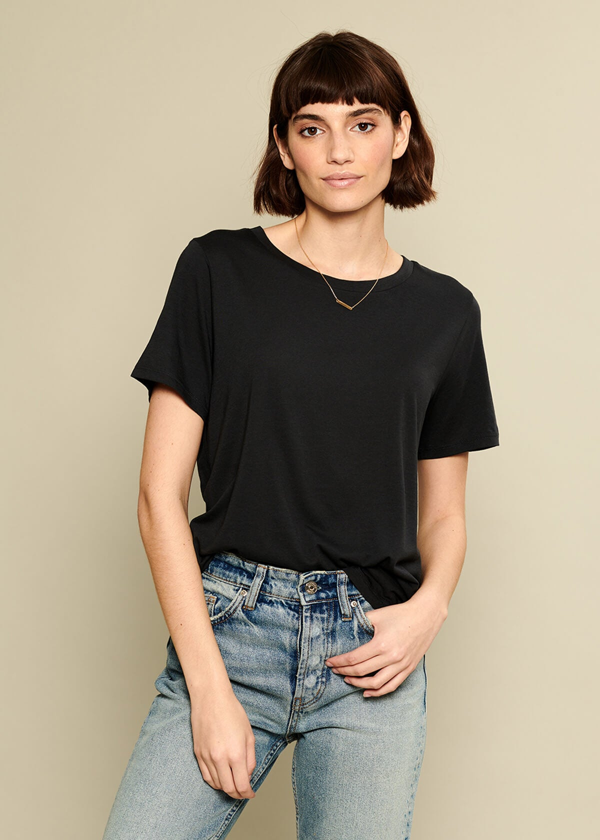 Lola - Basic Loose Tee - Smoke Black