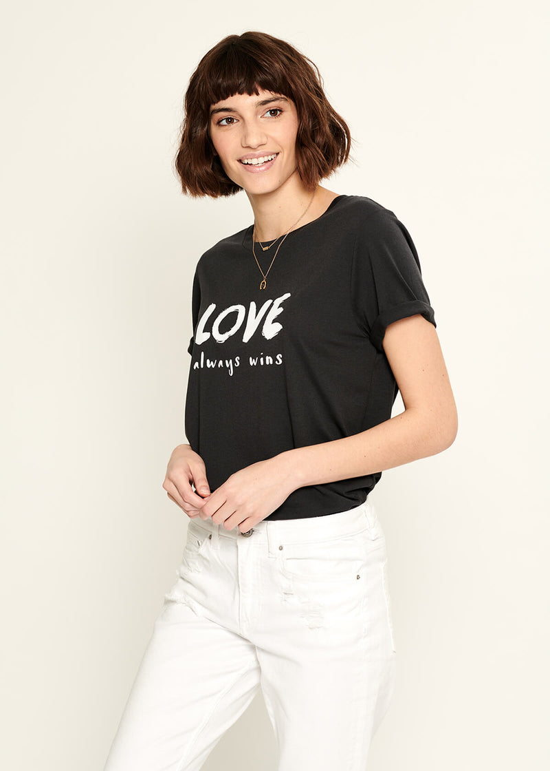 Lola - Loose Tee - Love Always Wins - Black