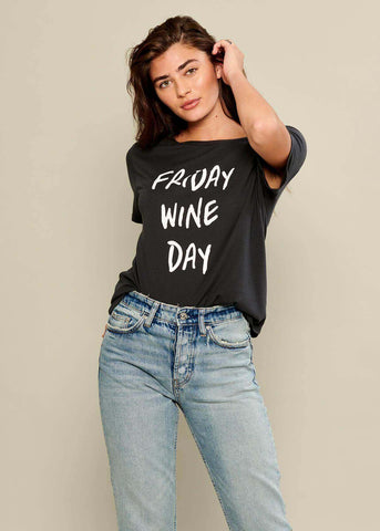 Lola - Loose Tee - Friday Wine Day - Black