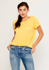 Lola - Loose Tee - Happy - Yellow