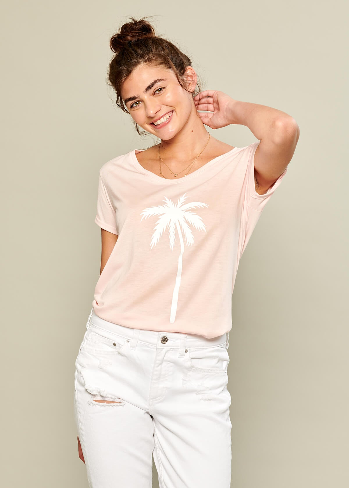 Valerie - V-neck Tee - Palm Tree - Pink