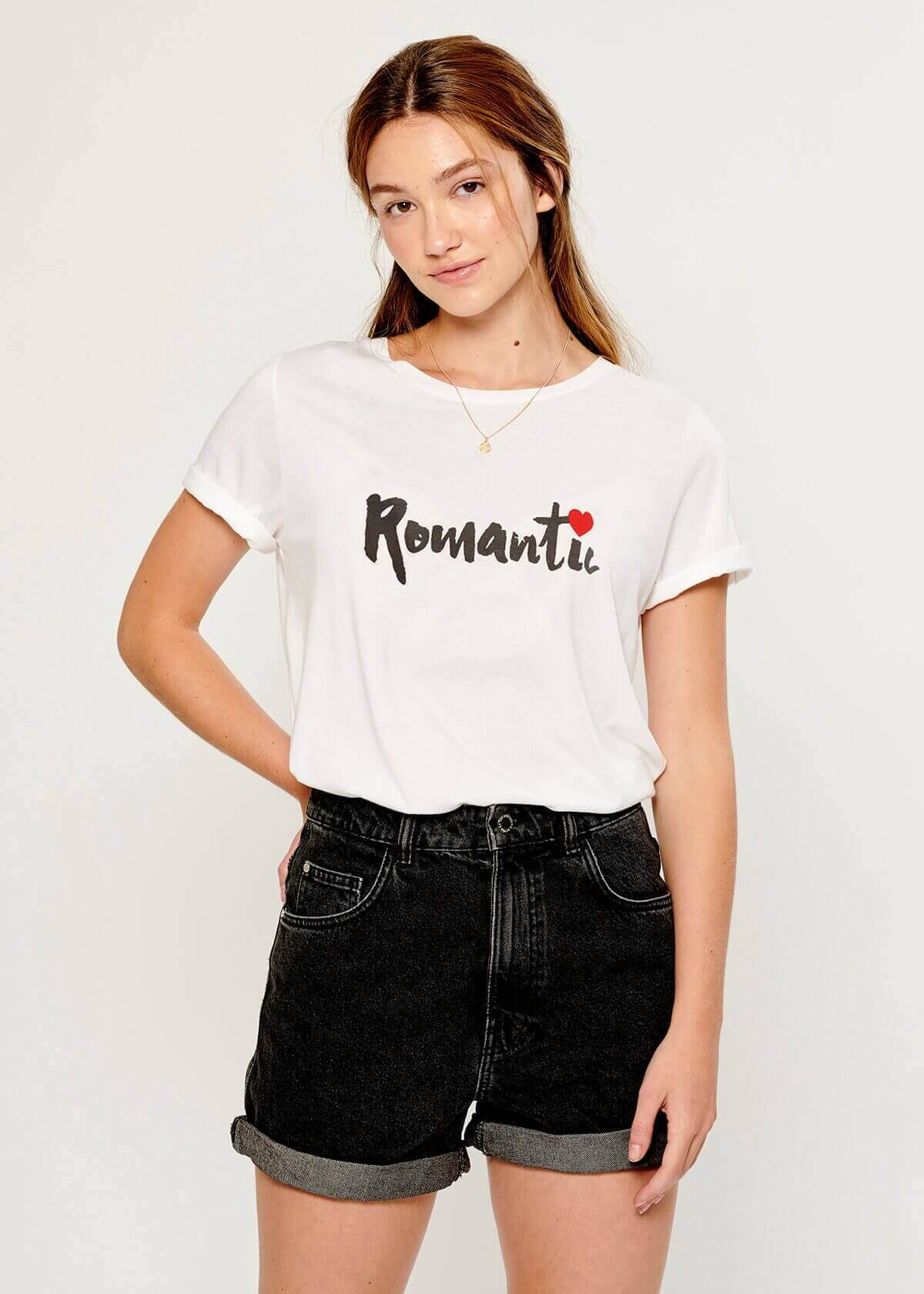 Lola - Loose Tee - Romantic - White