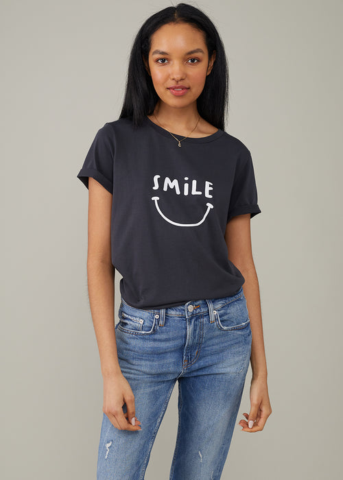 Lola - Loose Tee - Smile - Black