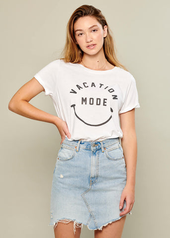 Lola - Loose Tee - Vacation Mode - White