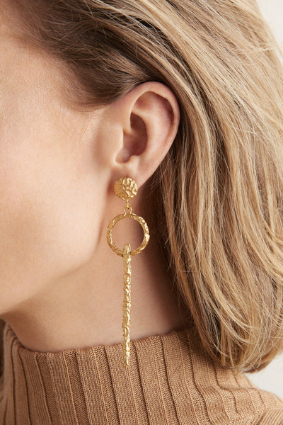 (pre-order) Adona Earrings - Gold