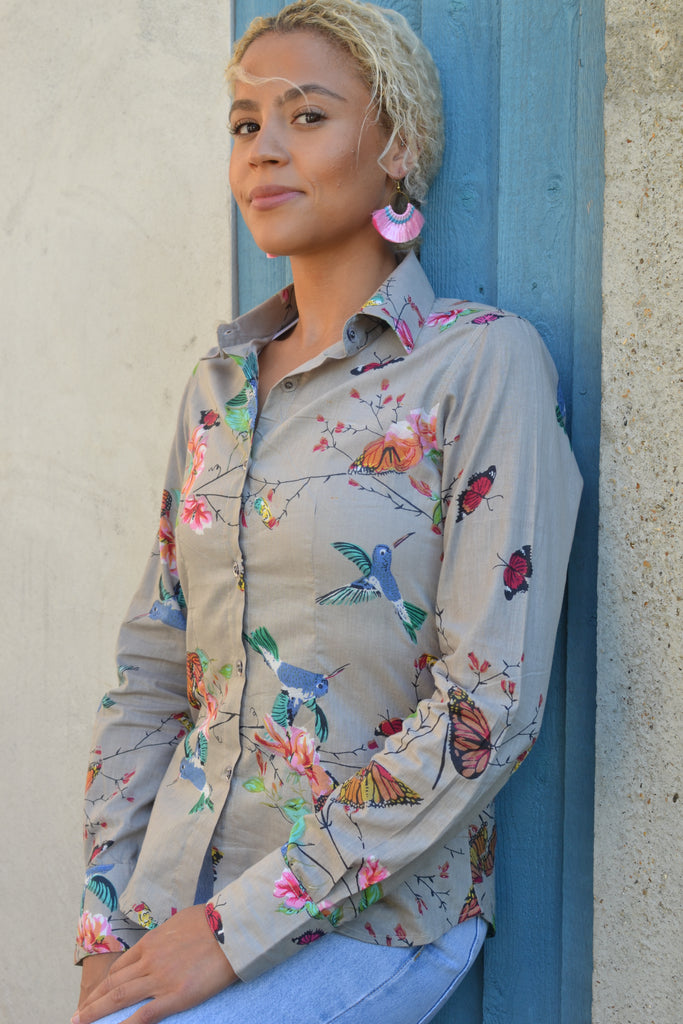 Fitted Hummingbird shirt.