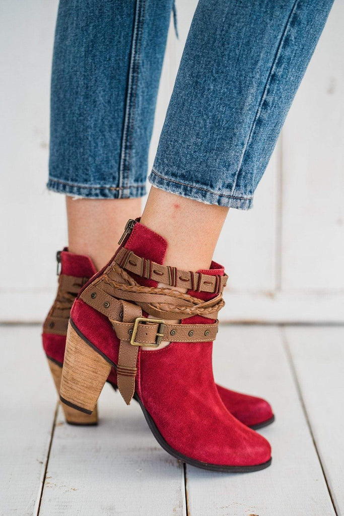 Naughty Monkey Cuthbert Booties in Red