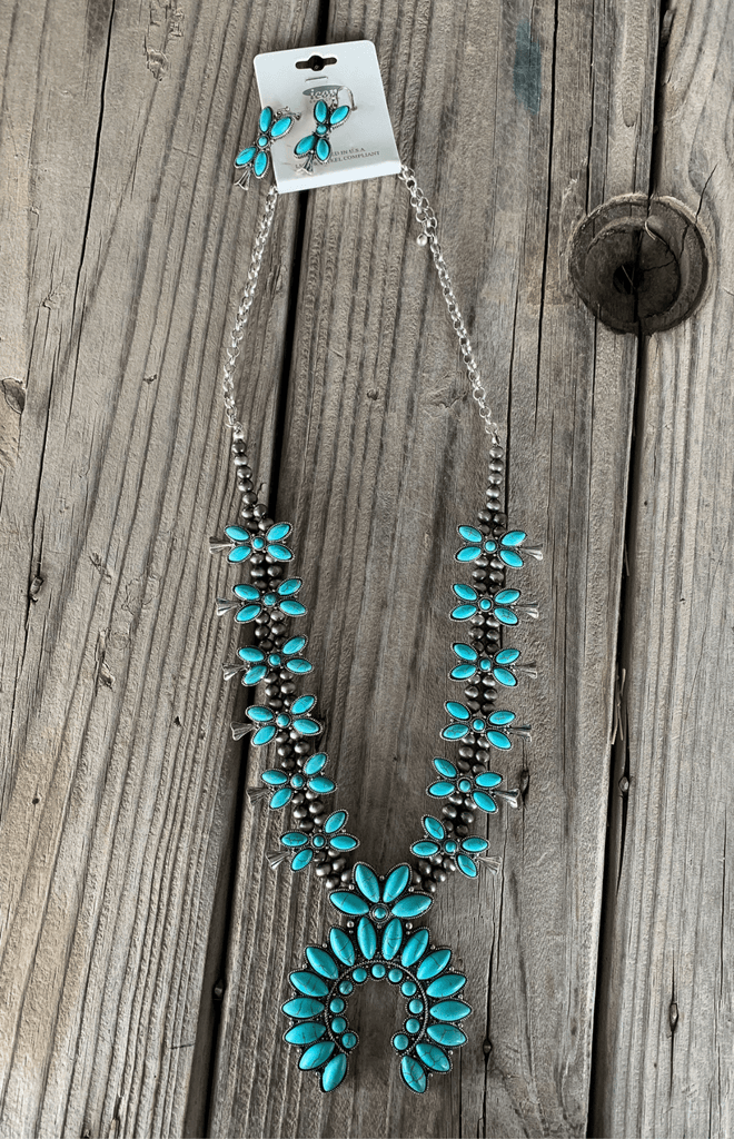 Kimama Necklace Set