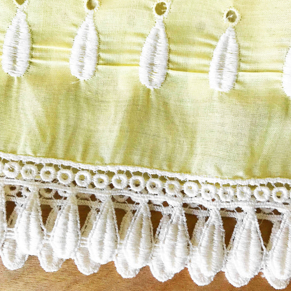 Eyelet with Tear Drop Trim Vintage Fabric [2.25Yds]