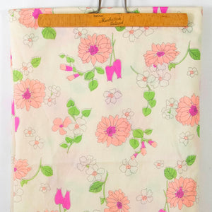 Vintage Fabric Bright Floral  [1 Yd+26 In]